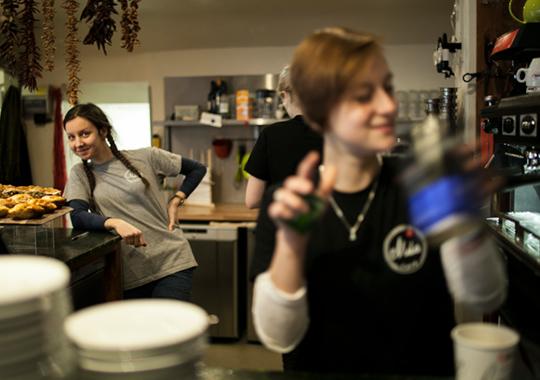 promotional-cafe-mila-1
